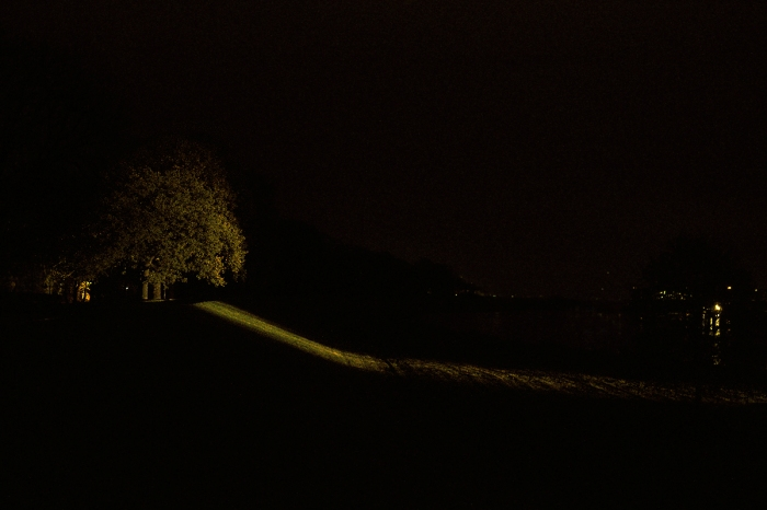Riverbank at night - Brzeg rzeki nocą